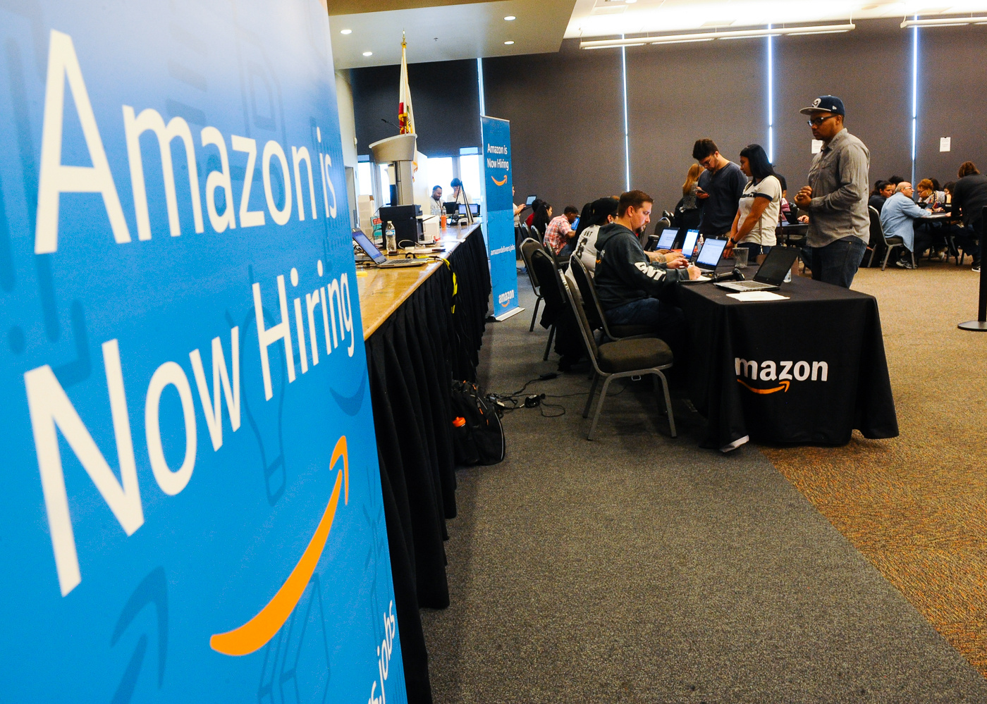 Amazon expands US workforce by 100,000